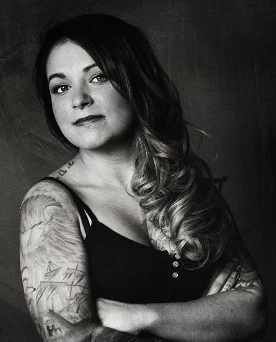 Meaghan Goeb, Slick Styled Steel in Montreal. Tap photo for more details. Also check out this article on the beautiful work she's done for survivors and previvors: http://www.nydailynews.com/news/world/woman-tattoos-double-mastectomy-scars-article-1.2324930 #mastectomy #tattoo [p-ink.org]