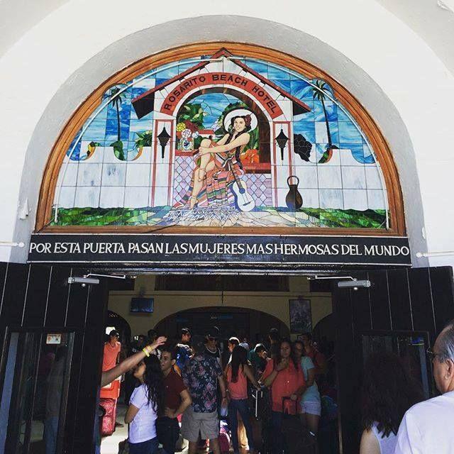 or esta puerta pasan las mujeres mas hermosas del mundo ¡Ven y descúbrelo en Rosarito Beach Hotel!  Foto-aventura por tcasa2_619