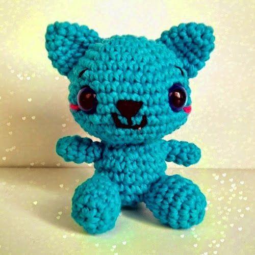 Patrones Amigurumi: El gato de que está contento y azul
