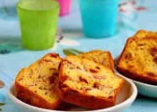 Cake salé au fromage basque et aux figues séchées