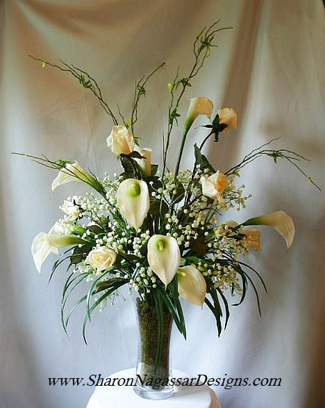 Calla Lily Wedding Centerpieces   Calla lilies, roses and gypsophila