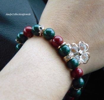 Women's Wristband with Green Glass & Burgundy stones and Crystal Cloverleaf charm
