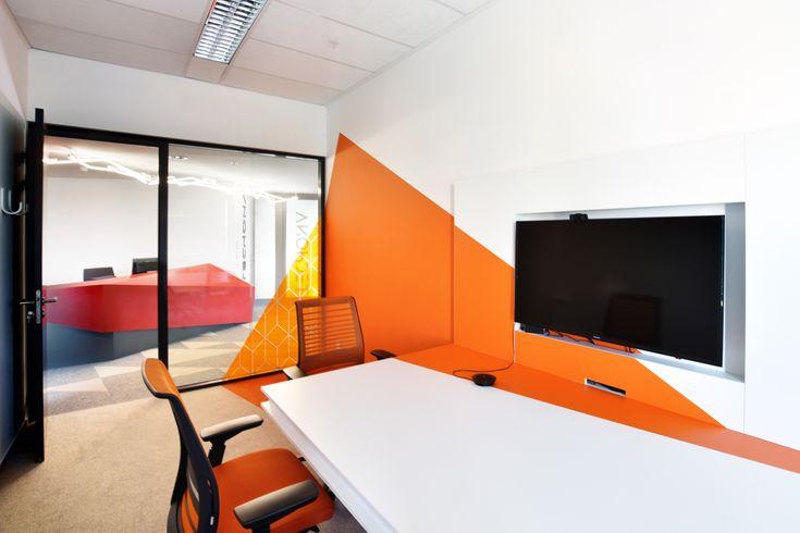 Techona office   monom - interior, orange meeting room