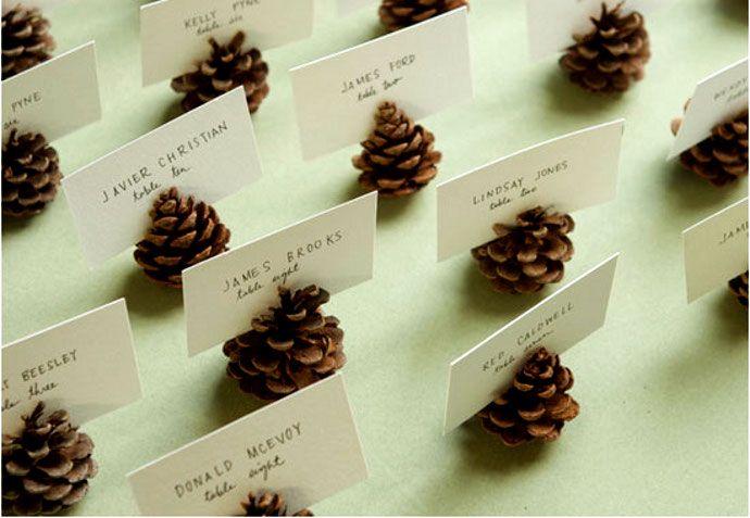 decoracion adornos DIY con piñas pinecones