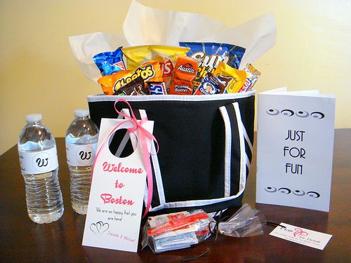 Gift Bag Ideas For Wedding Guests: 25+ Best Ideas About Welcome Gift Basket On Pinterest