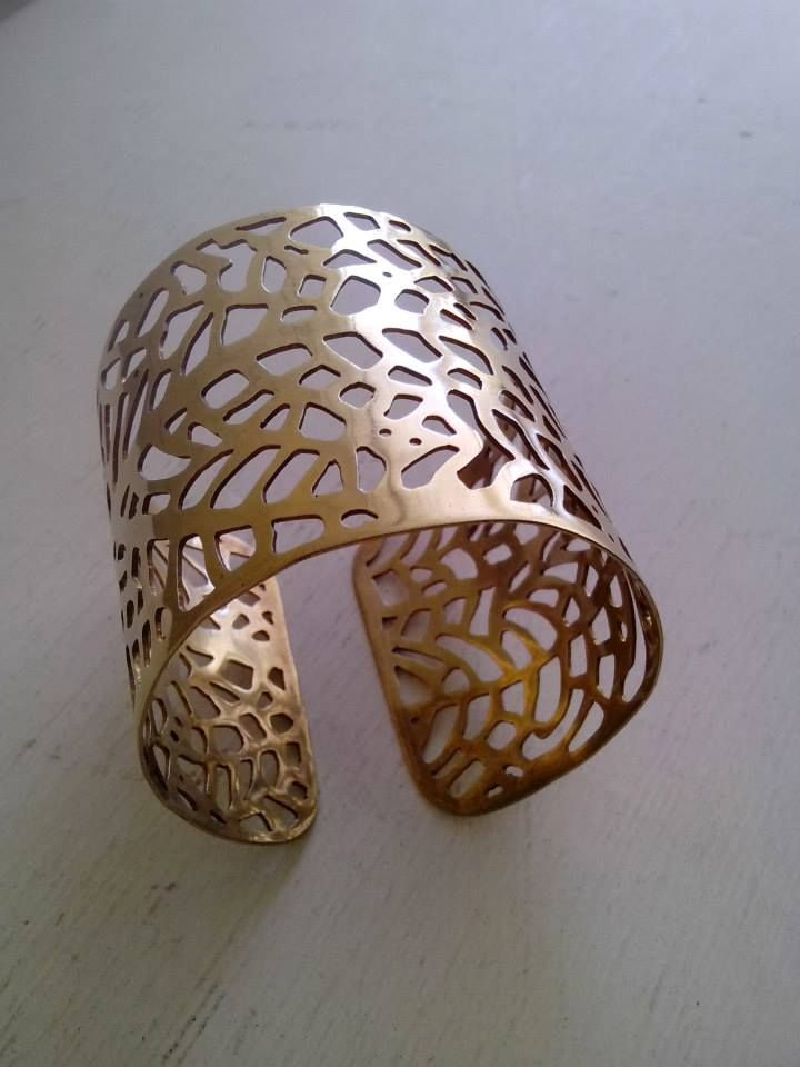 Bracelet isnpired by Gorgonia Coral, hand-made, 24 K gold-plating.
