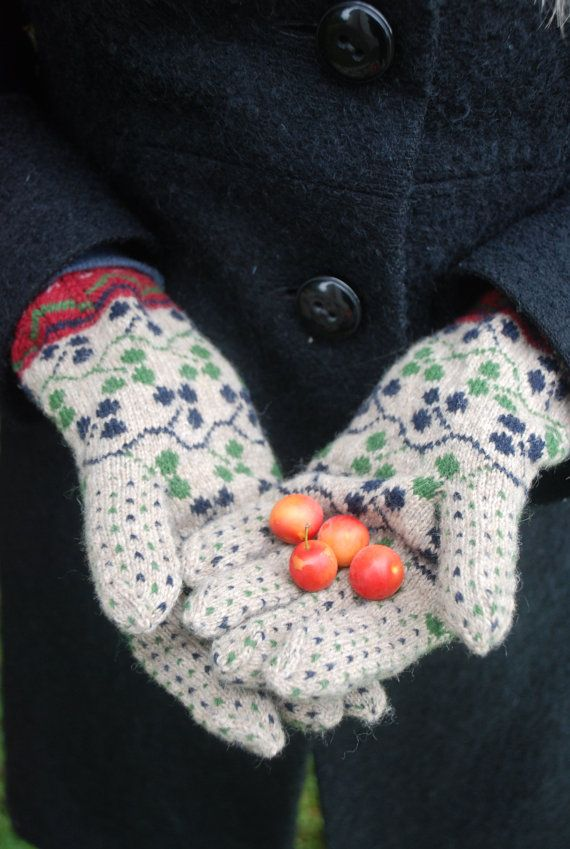 Estonian gloves by UNDIIN on Etsy