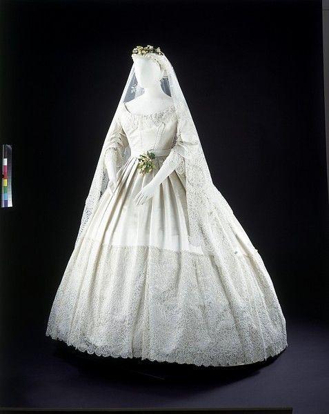 Wedding Dress 1865Dresses 1865, Wedding Dressses, Fashion, Bobbin Lace, Vintage, Brides Dresses, Wedding Gowns, Victorian Wedding, Albert Museums