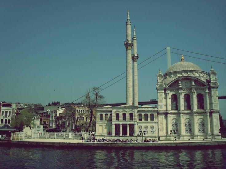 Mosque on the Bosphorus by mircea.fotograf.az