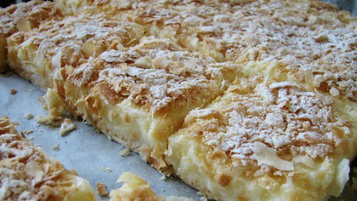 Luxusní krémový koláč z listového těsta a vanilkovým krémem! Připraveno bez pečení! | Milujeme recepty