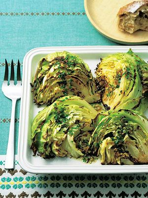 皿ごとオーブンに入れて、あとは待つだけ。|『ELLE a table』はおしゃれで簡単なレシピが満載!