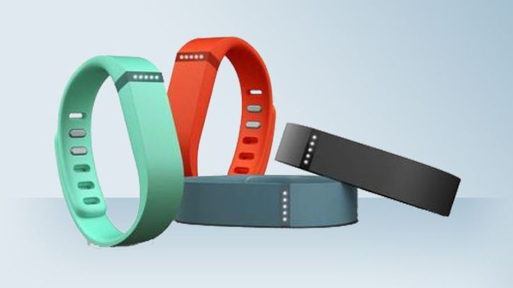 After being temporarily replaced by the Force, the Flex is back in pole position in Fitbit lineup, but how does the wrist tracking compare?