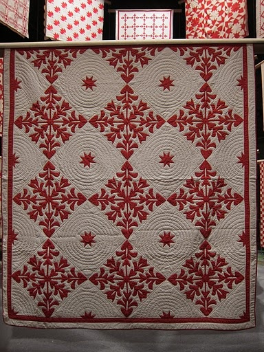 hawaiian: Red And White, Appliques Quilts Art, Red White Quilts, Quilts& Appliques, Gardens Markers, Martha Stewart, Colors Quilts, Infinite Variety, Awesome Quilts
