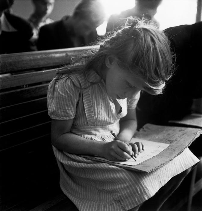 Near Budapest, Hungary, 1948, David 'Chim' Seymour. (1911 - 1956) (Source:  LA PAJARERA  )