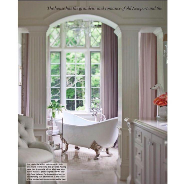 Роскошный интерьер ванной комнаты #interiordesign #копилка_идей #design #вдохновение #классика #классическийинтерьер #ванна #интерьерванной #интерьер #идеи #дизайн #дизайнинтерьера #декор #стиль #ваннананожках #колонны #окновванной #окно #interior #bathroom