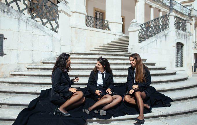 """Resultado de imagem para mulheres com traje académico lisboa"""""""
