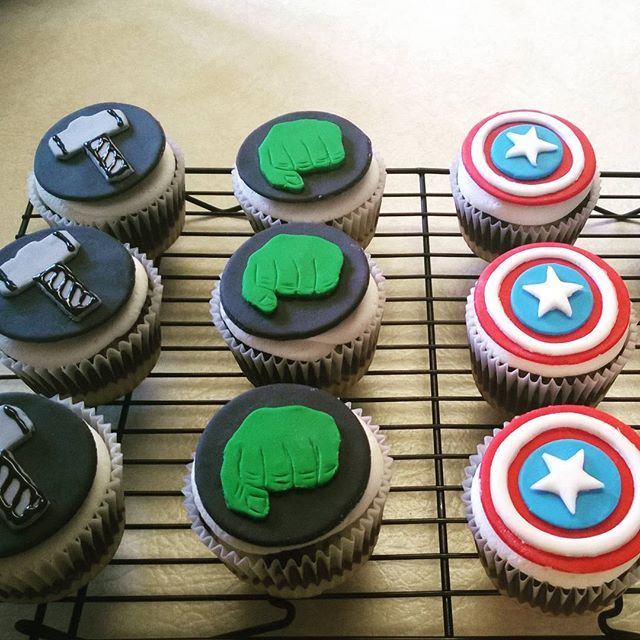September 2015 - Avengers cupcakes for a friend's son #avengerscake #avengerscupcakes