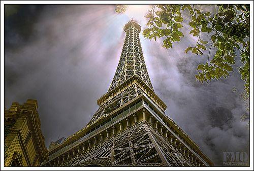 拉斯维加斯巴黎铁塔通过后期处理