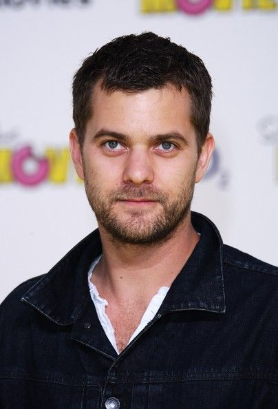 Joshua Jackson Photos - Actor Joshua Jackson arrives at the Simpsons Premier at the O2 Vue cinema, Greenwich on July 25, 2007 in London, England. - The Simpsons Movie - UK film premiere - Arrivals