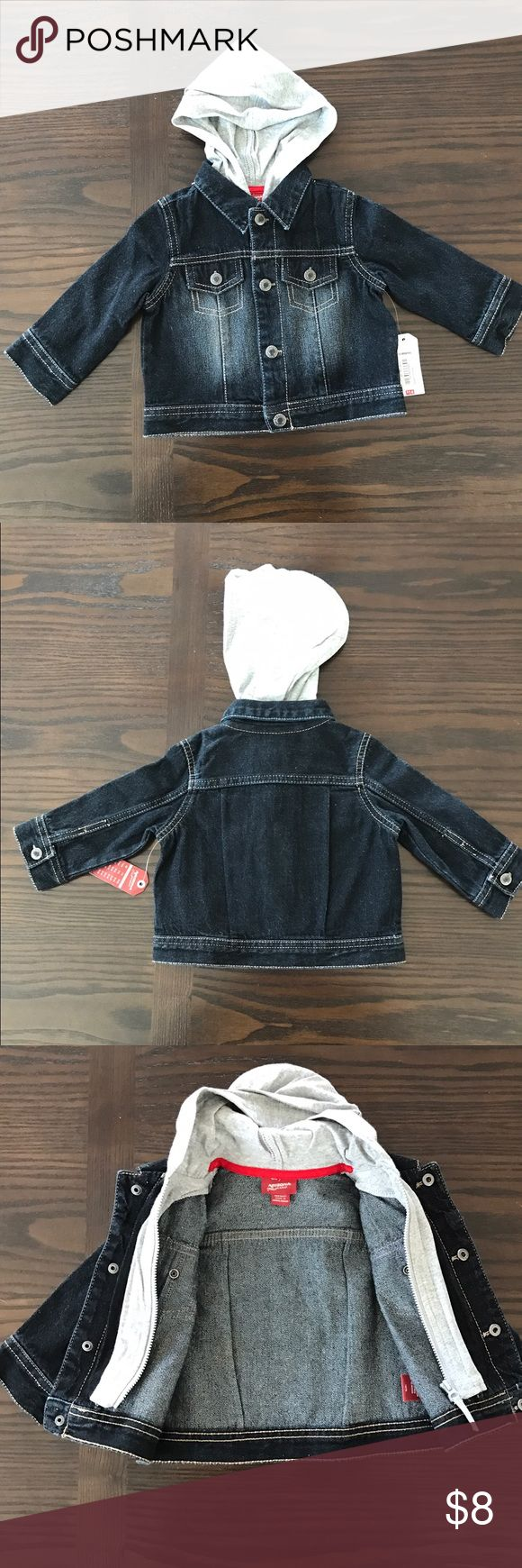 NWT baby jean jacket Adorable hooded jean jacket. Gender neutral! Inside zipper and putter buttons. Arizona Jean Company Jackets & Coats Jean Jackets