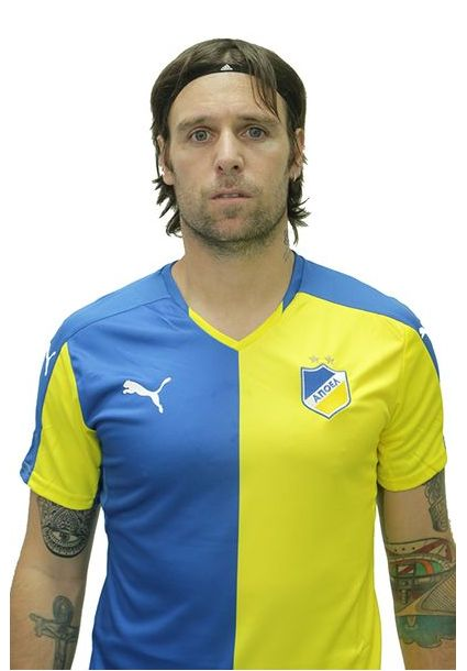 Foto oficial Fernando Cavenaghi APOEL FC