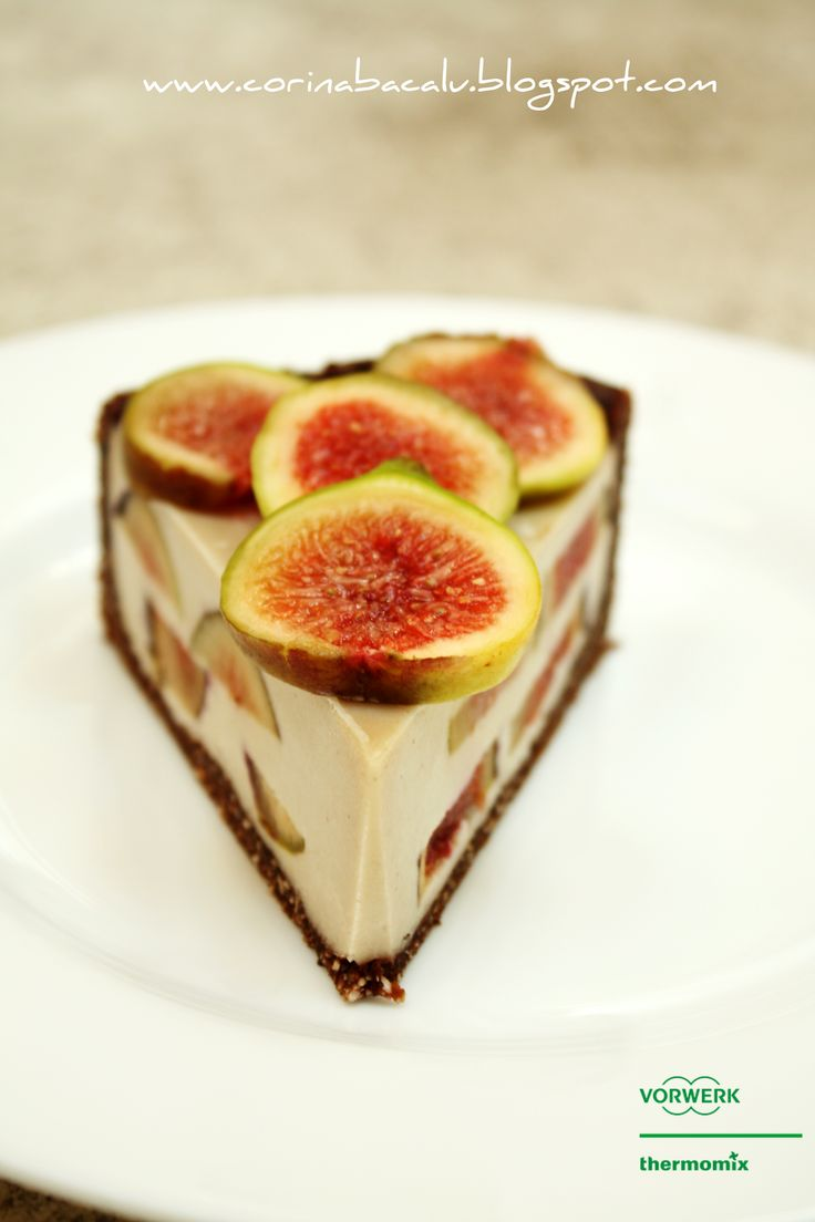 Figs tart. Raw Vegan sweets by Corina Bacalu