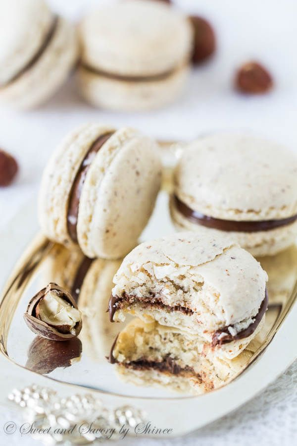 Chocolate+Hazelnut+Macarons+via+@shineshka