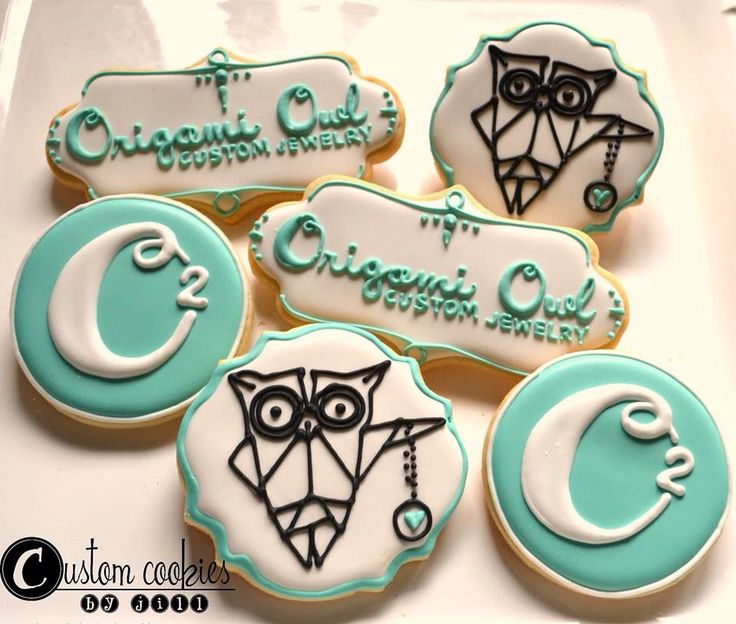 Origami Owl cookies! These are adorable and perfect addition to a Jewelry Bar. Interested in hosting? Contact me! www.lizullery.origamiowl.com or liz@locketsbyliz.com