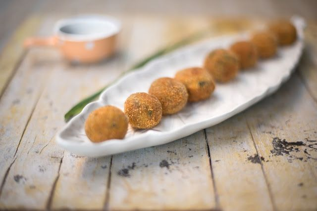 Bolinhas de Alheira e Cogumelos - É tão fácil obter uma refeição interessante com recurso a poucos, mas bons, ingredientes.