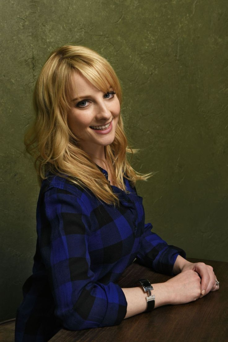 1000 ideas about melissa rauch on pinterest kaley cuoco christina ricci and johnny galecki. Black Bedroom Furniture Sets. Home Design Ideas
