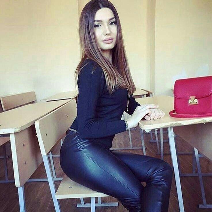 Классика порно частные фото армянских девушек день студента