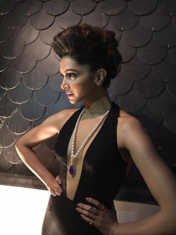 Deepika Padukone Looked Stunnig At IIFA 2016
