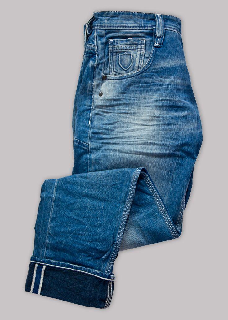 Motello 193 original slim fit jean: stylish turn up's for a classic finish. #denim #mensfashion #style Shop at: https://www.883police.com/motello-193-os.html