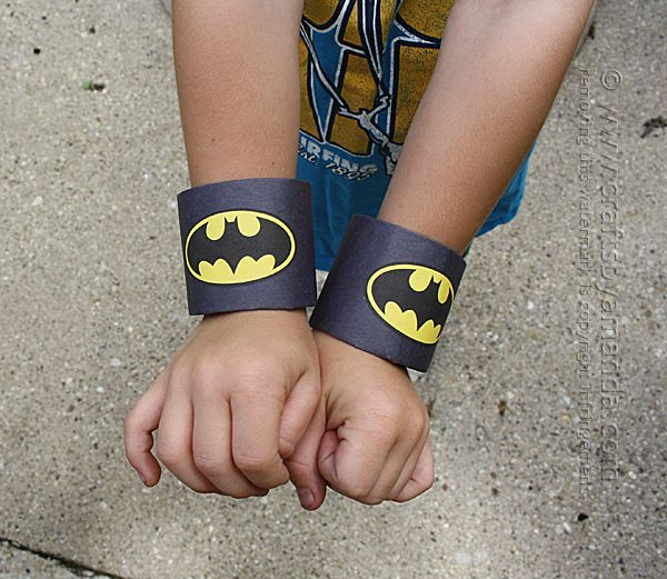 If your child loves Batman, then this Batman craft is the perfect project! They only take five minutes to make and use supplies you have around the house.