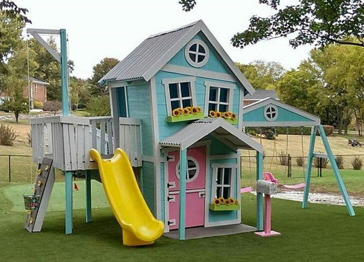 25 best ideas about pallet playhouse on pinterest for Simple outdoor playhouse plans