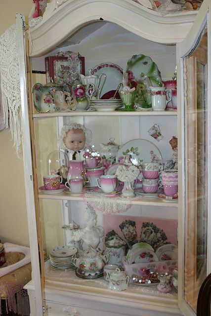 1000 images about china cabinet dishes on display on pinterest furniture shabby chic and. Black Bedroom Furniture Sets. Home Design Ideas