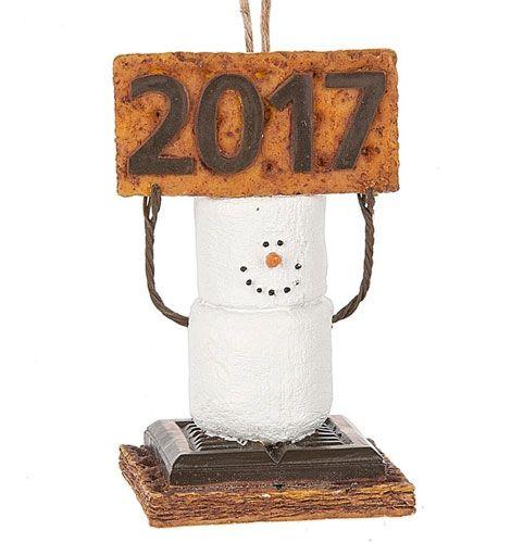 2017 S'mores ornament.