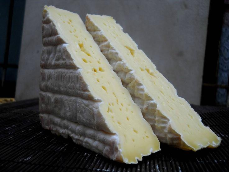 ✿ڿڰۣ Pont L'Eveque is a French cheese and probably the oldest Norman cheese still in production. Pont-l'Évêque is an uncooked, unpressed cow's-milk cheese, square in shape with a central pâte that is soft and creamy. It has a smooth, fine texture, a pungent aroma and soft when pressed. It is generally ranked alongside Brie, Camembert, and Roquefort as one of the most popular cheeses in France.