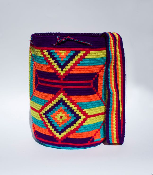 handmade wayuu mochila, made from the Wayuu indigenous community of Colombia 100% cotton.@thewayucollection get now at the www.wayucollection.com
