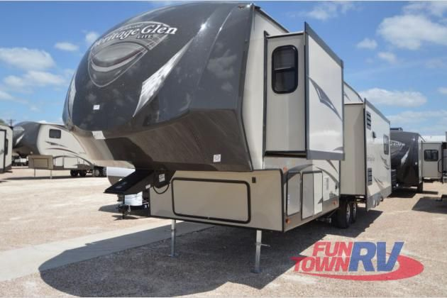 New 2015 Forest River RV Wildwood Heritage Glen 327RES Fifth Wheel at Fun Town RV | Cleburne, TX | #133319