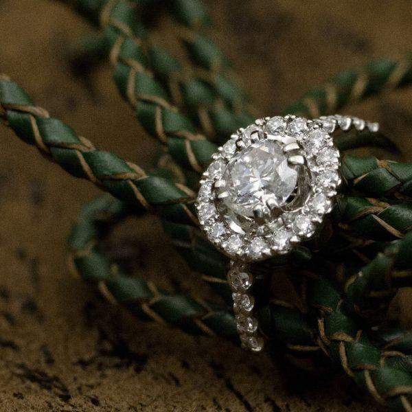 Кольцо с бриллиантами из белого золота «Все вокруг» | Кустодия-творческая мастерская. Ювелирные украшения ручной работы./ золототые украшения /