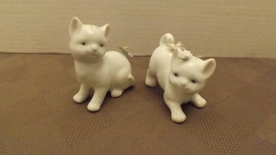 White Cats with Flower Power Salt & Pepper Shakers by Me2uVariety