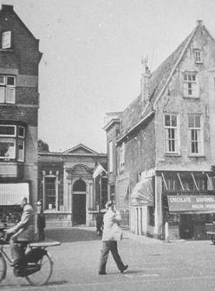 Markt met doorzicht naar de Jan Vermeerschool 1955