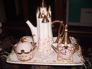 72 best winnie the pooh tea pots images on pinterest Cinderella afternoon tea