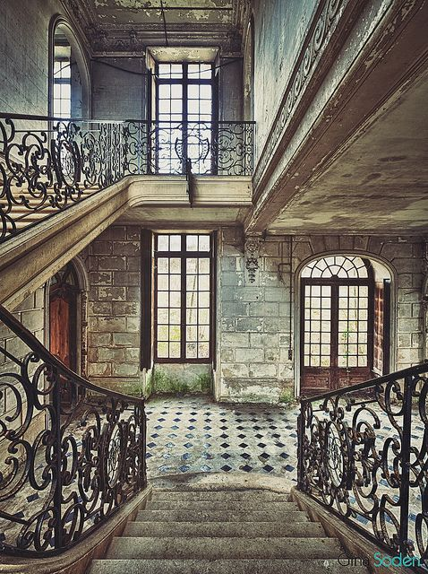 Staircase In Abandoned Building. How could a building this gorgeous be abandoned? I just can't believe it.
