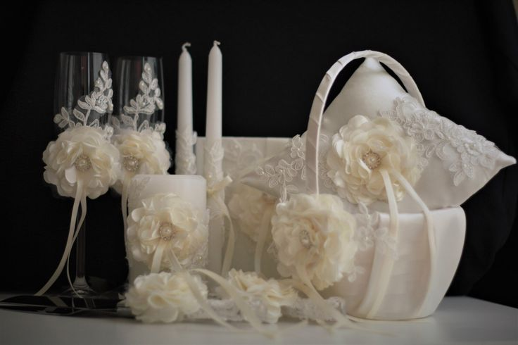 Ivory Wedding Accessories Set with Lace and Handmade Flowers 🦋