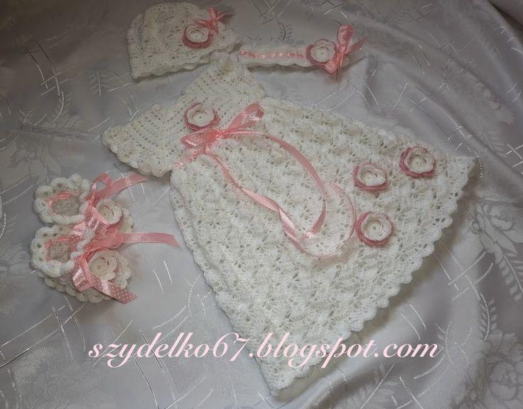 Szydełkowe ubranka dla dzieci: Sukienka do chrztu - Majka z dodatkami