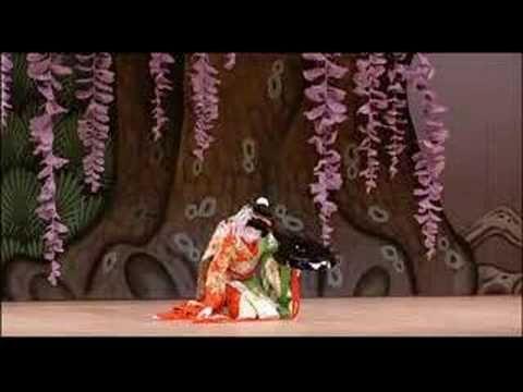 """坂東玉三郎Bando Tamasaburo """"藤娘FUJI-MUSUME(Wisteria Maiden)"""", one of the most celebrate Kabuki play ( the traditional dance/drama). Tamasaburo , Kabuki Performer , the living national treasure"""