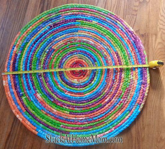 How to Make a Fabric Rope Rug - DIY Rope Rug #diy | StuckAtHomeMom.com