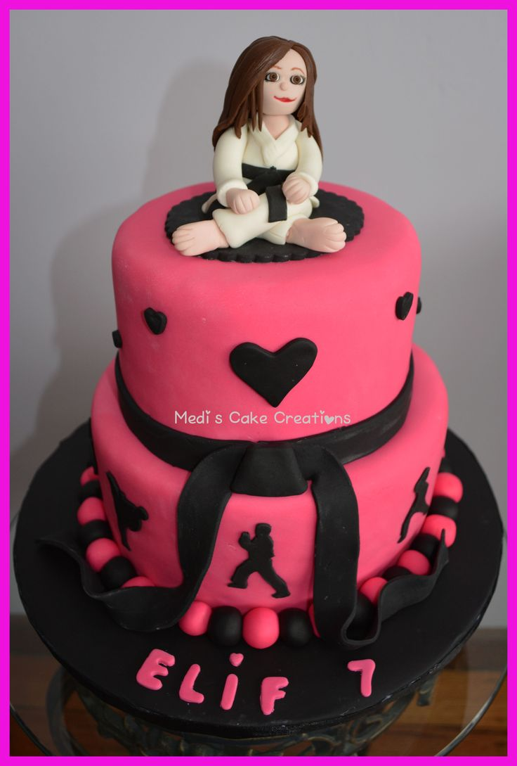 My Taekwondo cake creation with an edible black belt girl topper ...